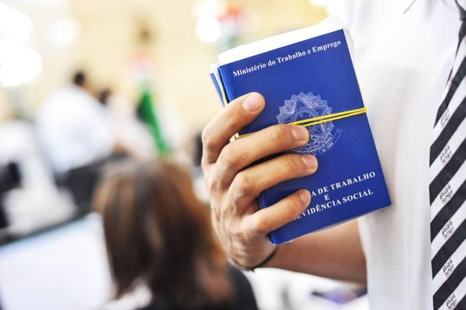 Deputado apresenta PL sobre suspensão temporária dos contratos