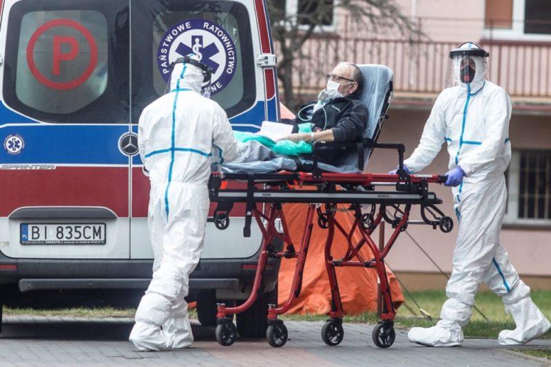 EUA entram na semana mais difícil e triste, com mais de 9 mil mortes por vírus